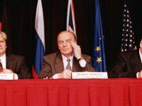 Slobodan Milošević, Alija Izetbegović és Franjo Tudjman Daytonban (kép forrása: dw.com)